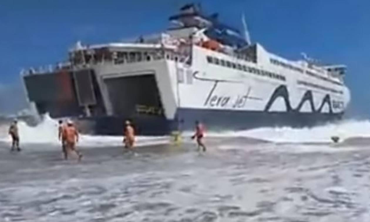 Τήνος: Το βίντεο του τρόμου – Η μάχη του πλοίου με τα κύματα (pics-vid)