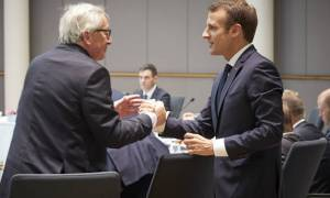 Μακρόν: Η Γαλλία δεν θα ιδρύσει μεταναστευτικά κέντρα κλειστού τύπου