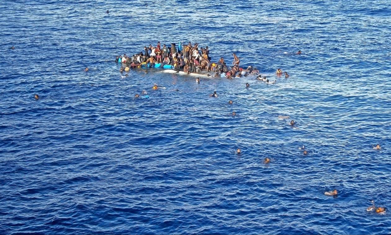 Τραγωδία στη Μεσόγειο: Βρέφη και παιδιά εντοπίστηκαν πνιγμένα σε ναυάγιο με 100 μετανάστες (Vid)