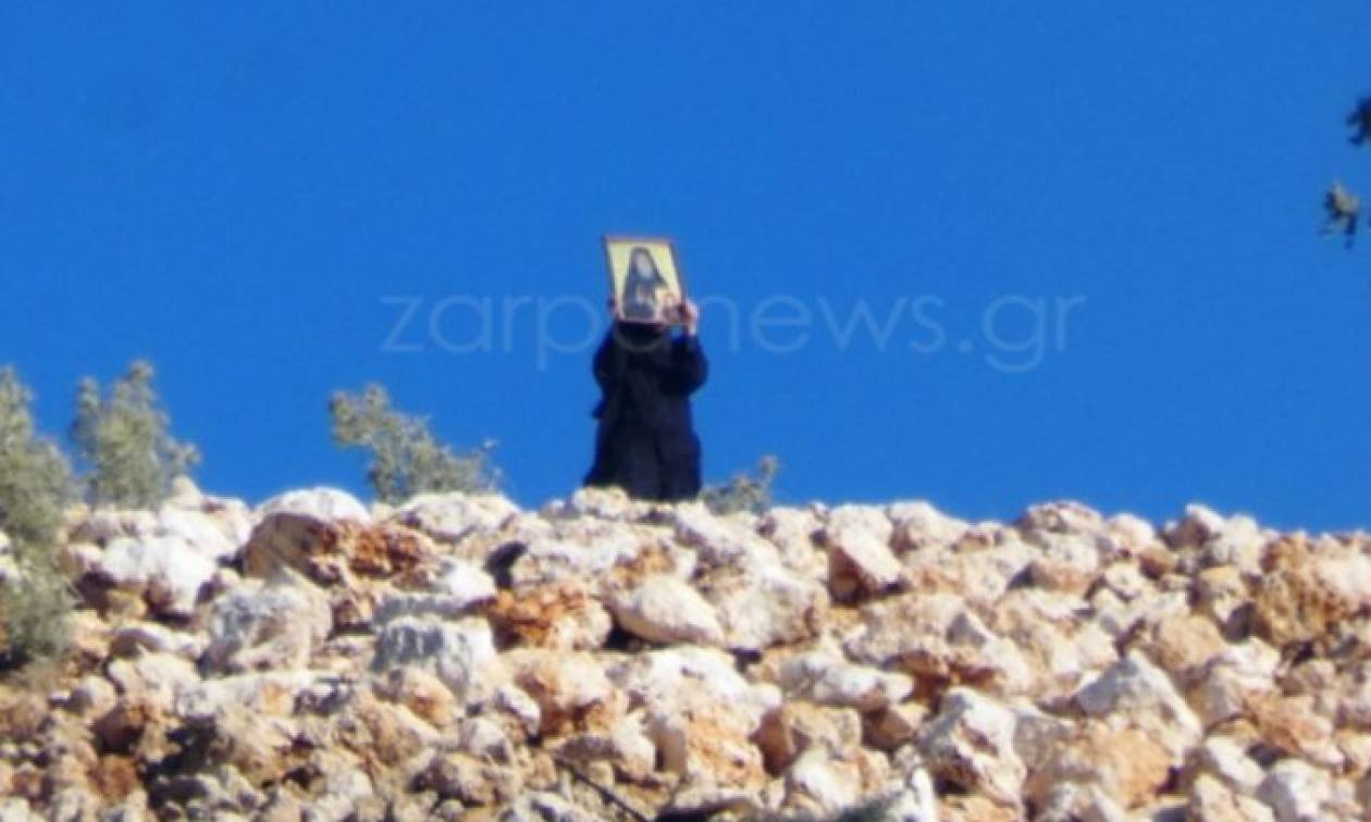 Κρήτη: Φωτιά κοντά σε μοναστήρι - Με τις εικόνες στα χέρια έτρεχαν οι καλόγριες να σωθούν (pics)