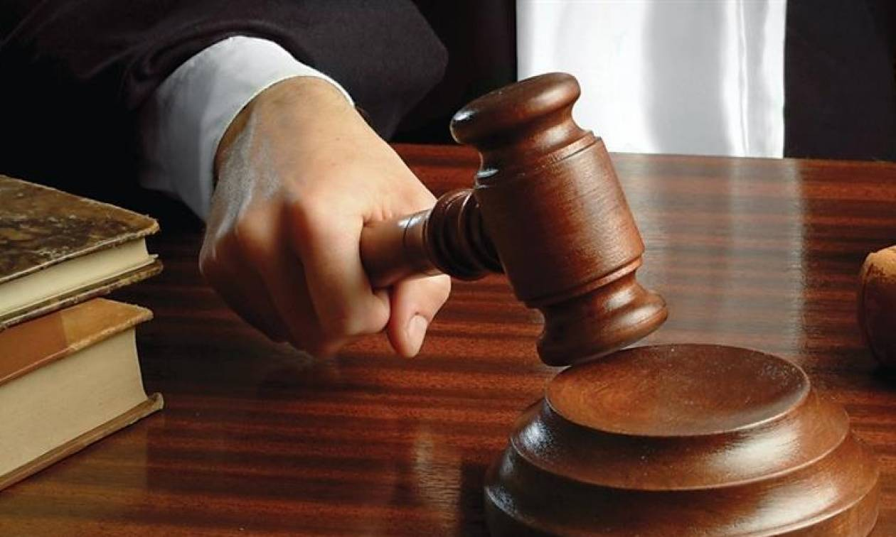 Ποινική δίωξη στο ηγετικό μέλος του Ρουβίκωνα για τις απειλές κατά του ΣΚΑΪ