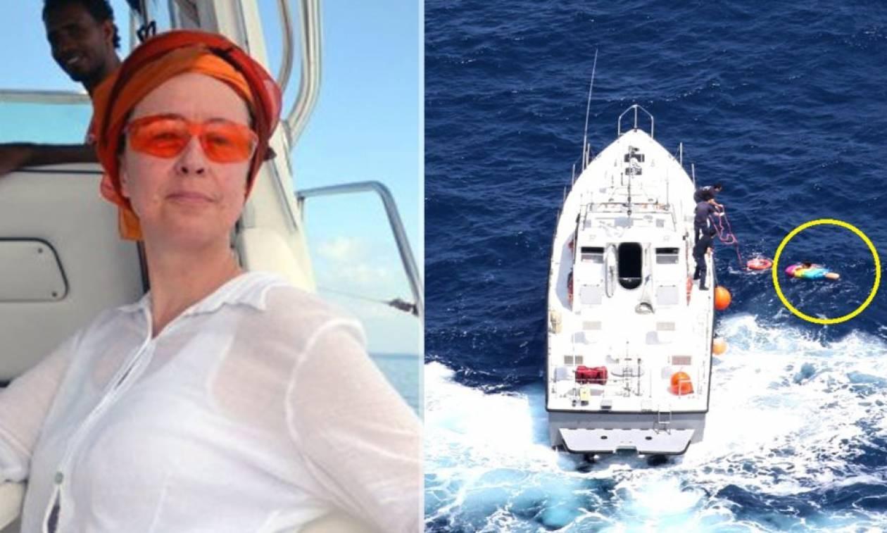 Αυτή είναι η γυναίκα που πέρασε 20 ώρες στη θάλασσα πάνω σε στρώμα - Η διάσωσή της καρέ καρέ
