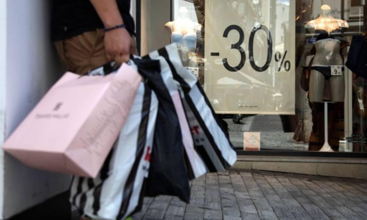 Θερινές εκπτώσεις 2018: Ποια Κυριακή θα ανοίξουν τα μαγαζιά - Τι πρέπει να γνωρίζουν οι καταναλωτές