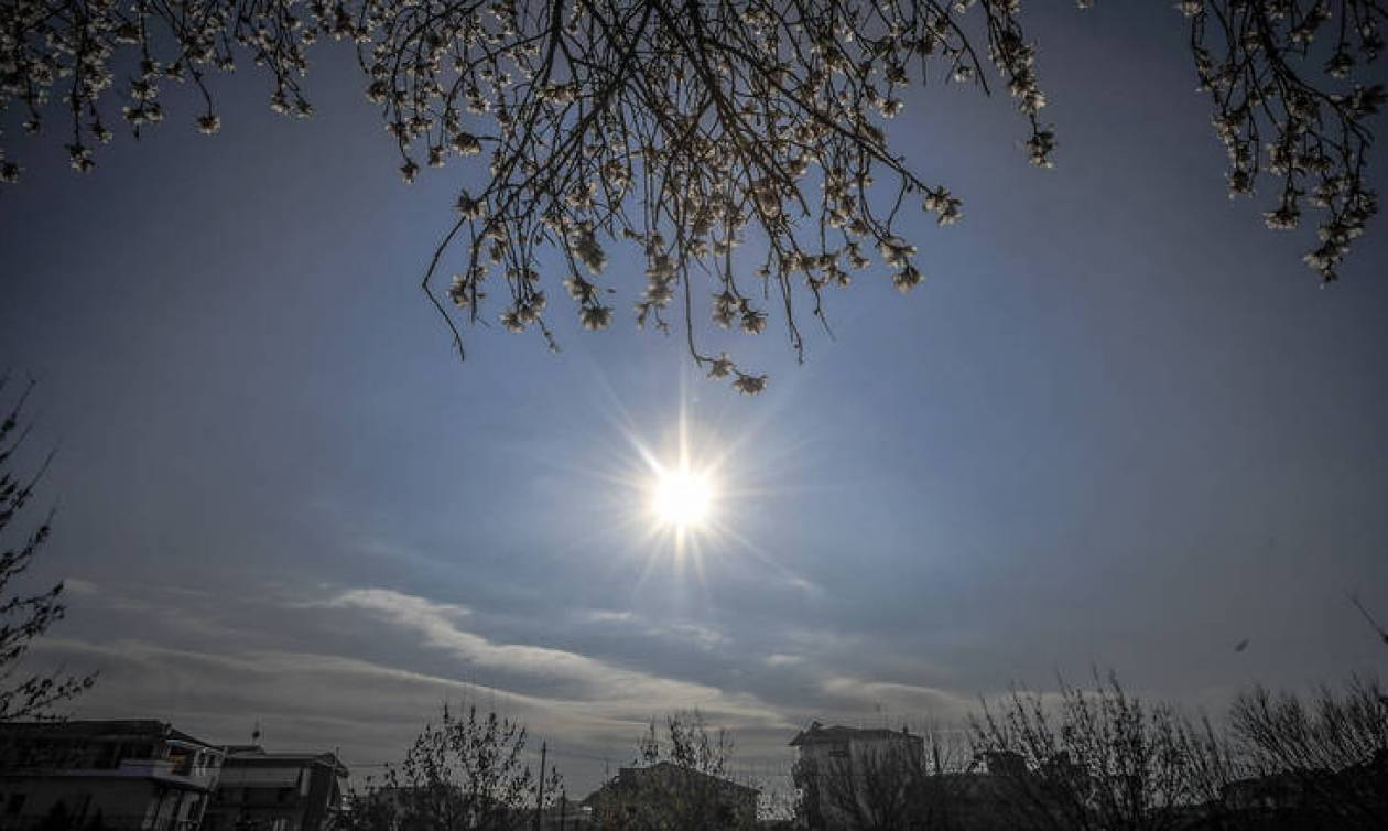 Καιρός: Ανεβαίνει η θερμοκρασία σήμερα - Σε ποιες περιοχές θα βρέξει