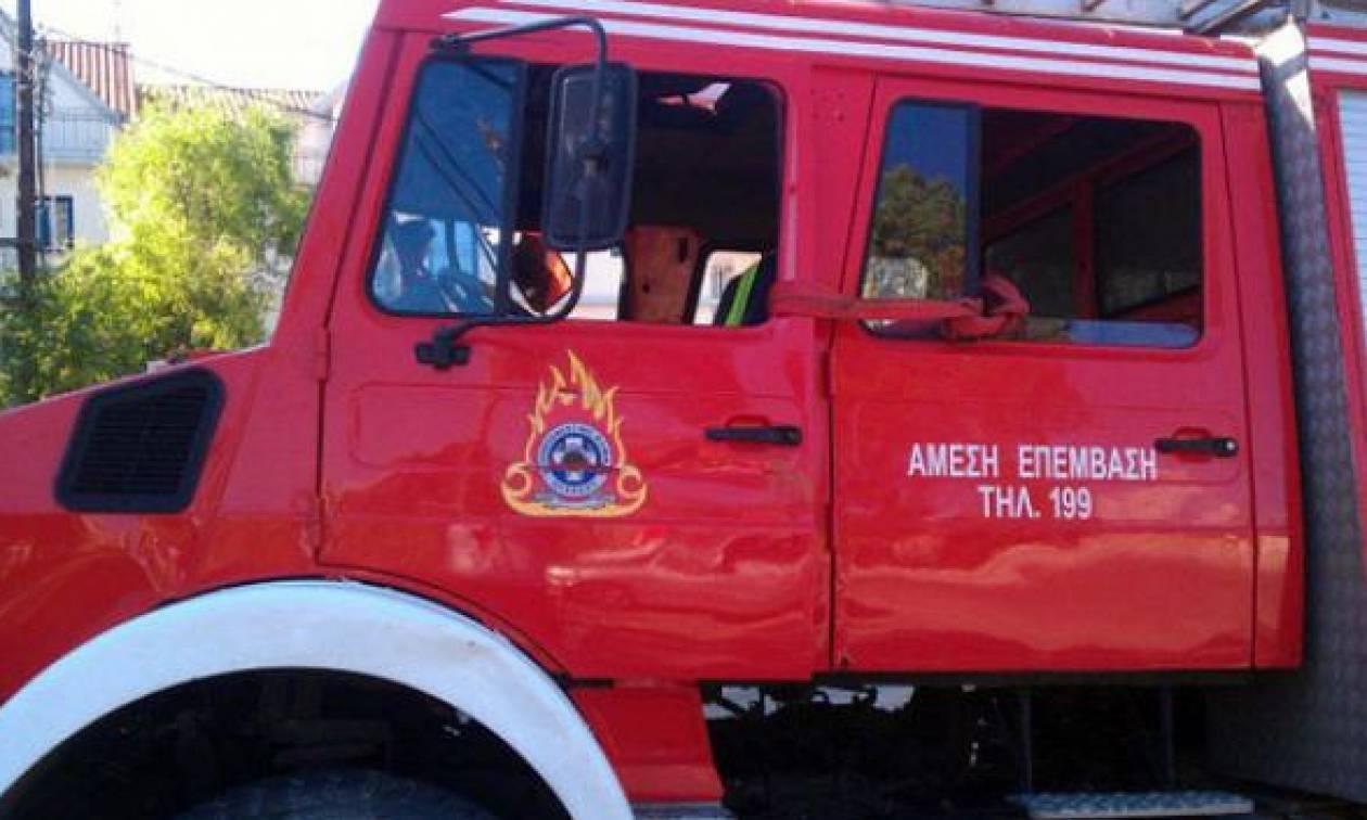 Θεσσαλονίκη: Φωτιά σε εργοστάσιο με λιπαντικά στο Λάκκωμα