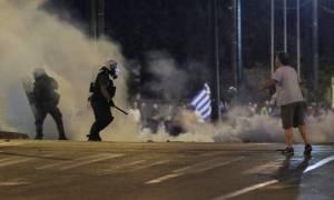 Ένταση και επεισόδια στα συλλαλητήρια για τη Μακεδονία σε Αθήνα και Θεσσαλονίκη (photos)