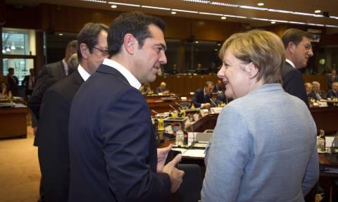Μέρκελ για πρόσφυγες: Θα τους στέλνουμε στην Ελλάδα μόνο σε συνεννόηση με τον Τσίπρα