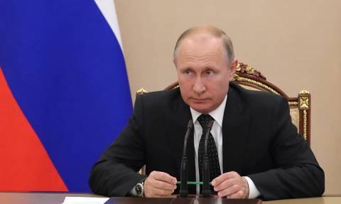 Путин продлил действие мер безопасности при транзитных перевозках товаров с Украины