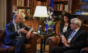 Μοσκοβισί σε Παυλόπουλο: Μνημόνια τέλος – Η Ελλάδα στέκεται ελεύθερα στα πόδια της