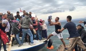 Συναγερμός στην Ιταλία: «Πενήντα χιλιάδες μετανάστες είναι έτοιμοι να σαλπάρουν από τη Λιβύη»