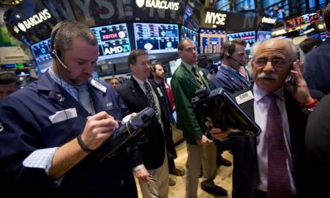 Απώλειες στη Wall Street πριν την Ημέρα της Ανεξαρτησίας