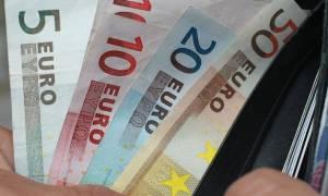 Φθιώτιδα: Ο υπάλληλος της τράπεζας έσωσε τη γιαγιά από απατεώνα