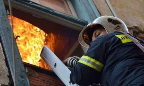 На Кипре пожарные спасли ребенка, запертого в горящей квартире