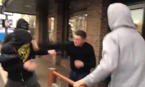 Άγρια επίθεση σε άνδρα: Τον έσπασε στο ξύλο και τον άφησε παράλυτο για ένα... φιλί