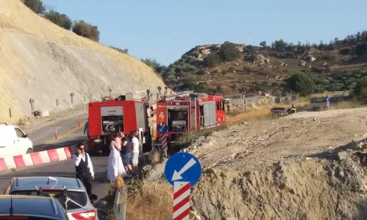 Ηράκλειο: Είδαν το αυτοκίνητό τους να... καίγεται αμέσως μετά το γάμο τους! (pics)