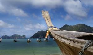 Ταϊλάνδη: Δεκάδες αγνοούμενοι μετά τη βύθιση τουριστικού σκάφους (pics)