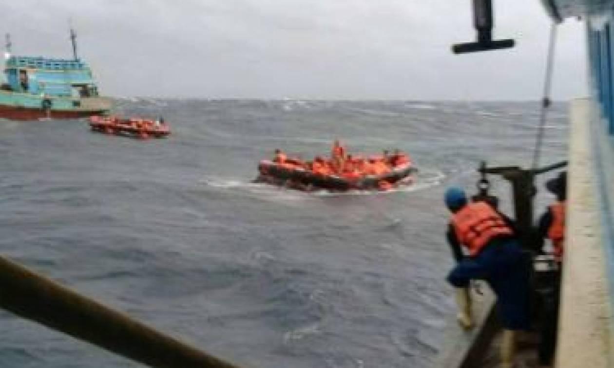 Ταϊλάνδη: Ένας νεκρός και 53 αγνοούμενοι μετά τη βύθιση τουριστικού σκάφους (pics)