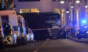 Γερμανία: Εκδόθηκε ένταλμα σύλληψης για τον εγκέφαλο της επίθεσης στην αγορά του Βερολίνου