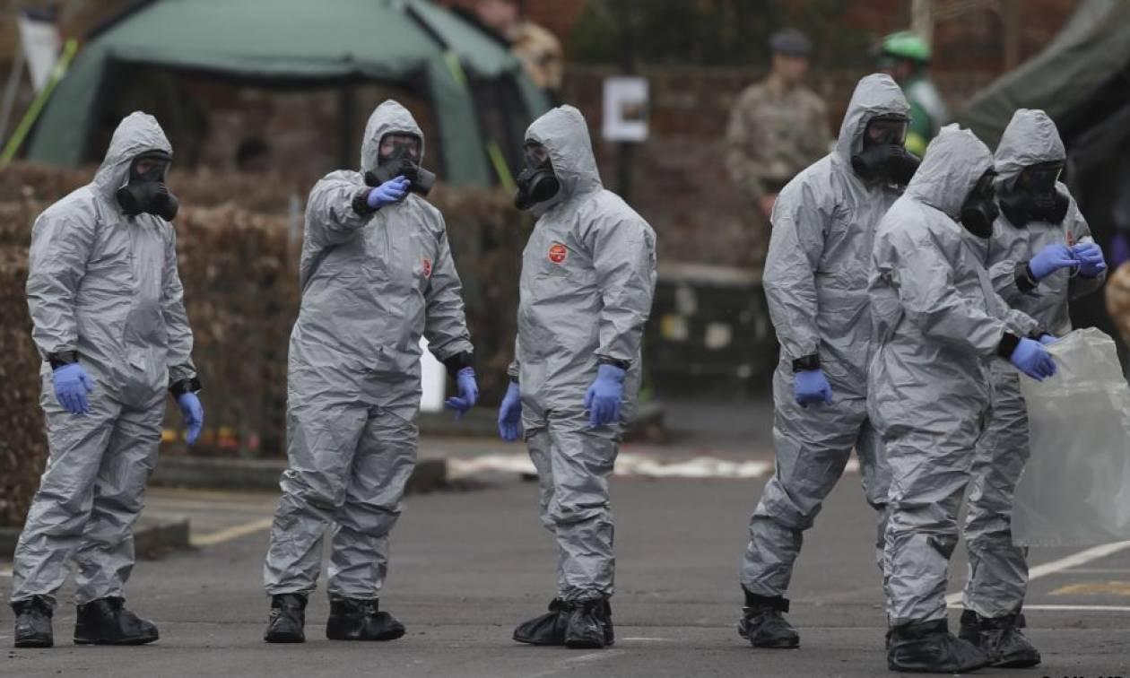 Μάχη με τον χρόνο για τον εντοπισμό του «νευροπαραλυτικού όπλου» πριν την άφιξη Τραμπ στη Βρετανία