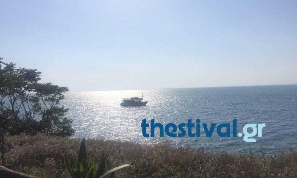 Θεσσαλονίκη: Προσάραξε σε αβαθή στην Καλαμαριά το πλοίο «Κωνσταντής»