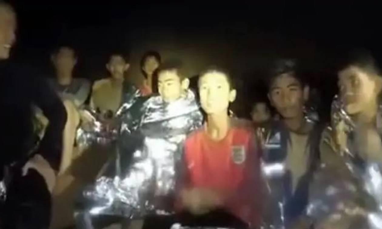 Ταϊλάνδη - «Μαμά, μπαμπά θα γυρίσω σπίτι»: Ραγίζουν καρδιές τα σημειώματα των εγκλωβισμένων παιδιών