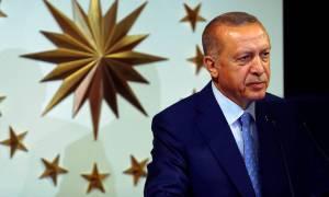 «Κυνήγι μαγισσών» στην Τουρκία: Με εντολή Ερντογάν απολύονται 18.000 δημόσιοι υπάλληλοι
