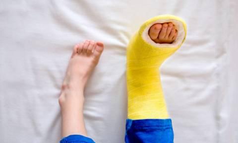 Σημάδια ότι η υγεία των οστών σας κινδυνεύει (εικόνες)