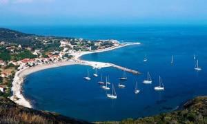 Στο «κόκκινο» τα Διαπόντια νησιά: Αποκλεισμένοι εδώ και μέρες κάτοικοι και τουρίστες