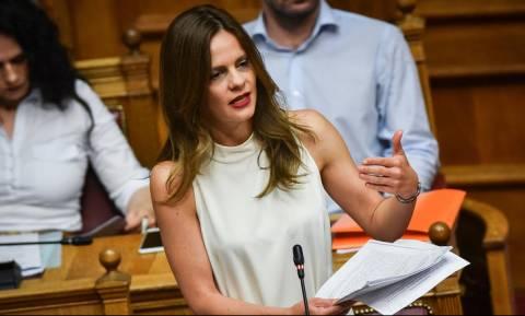 Βουλή: Δεκτή η τροπολογία για το δικαίωμα άδειας αιμοδοσίας σε εργαζόμενους του ιδιωτικού τομέα