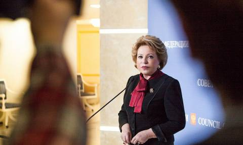 Матвиенко назвала Мэй заложницей ее русофобских высказываний и призывов бойкота ЧМ