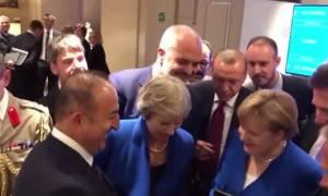 Μουντιάλ 2018: Ηγέτες άφησαν τη Σύνοδο του ΝΑΤΟ και είδαν τον ημιτελικό στο κινητό του Τσαβούσογλου