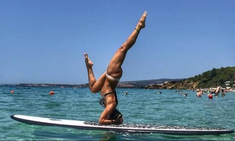Ελληνίδα γυμνάστρια με τρομερά ανοίγματα (pics)