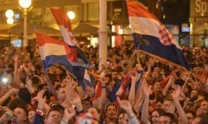Μουντιάλ 2018: Πανηγύρισαν με τον πρωθυπουργό της χώρας οι Κροάτες! (vid)