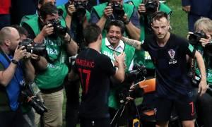 Μουντιάλ 2018: Τα επικά κλικς του φωτογράφου την ώρα που... τον ισοπέδωναν οι Κροάτες!