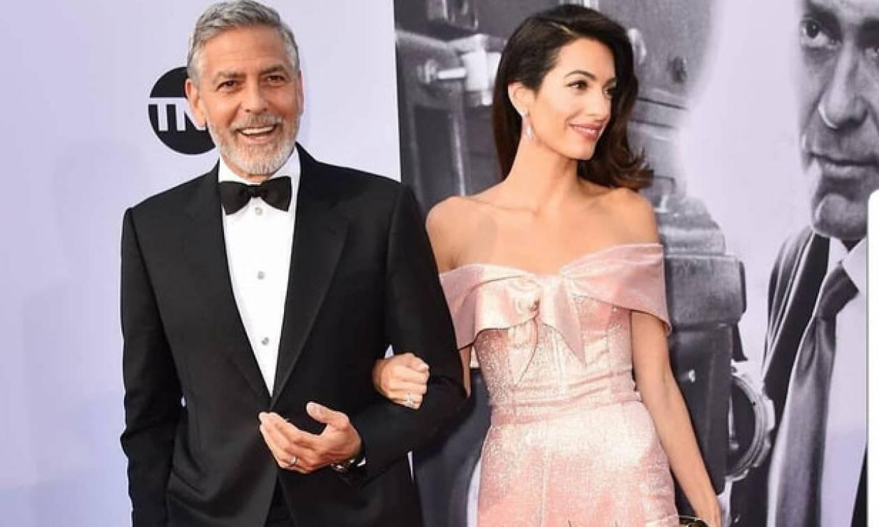 H πρώτη εμφάνιση του George Clooney μετά το ατύχημα