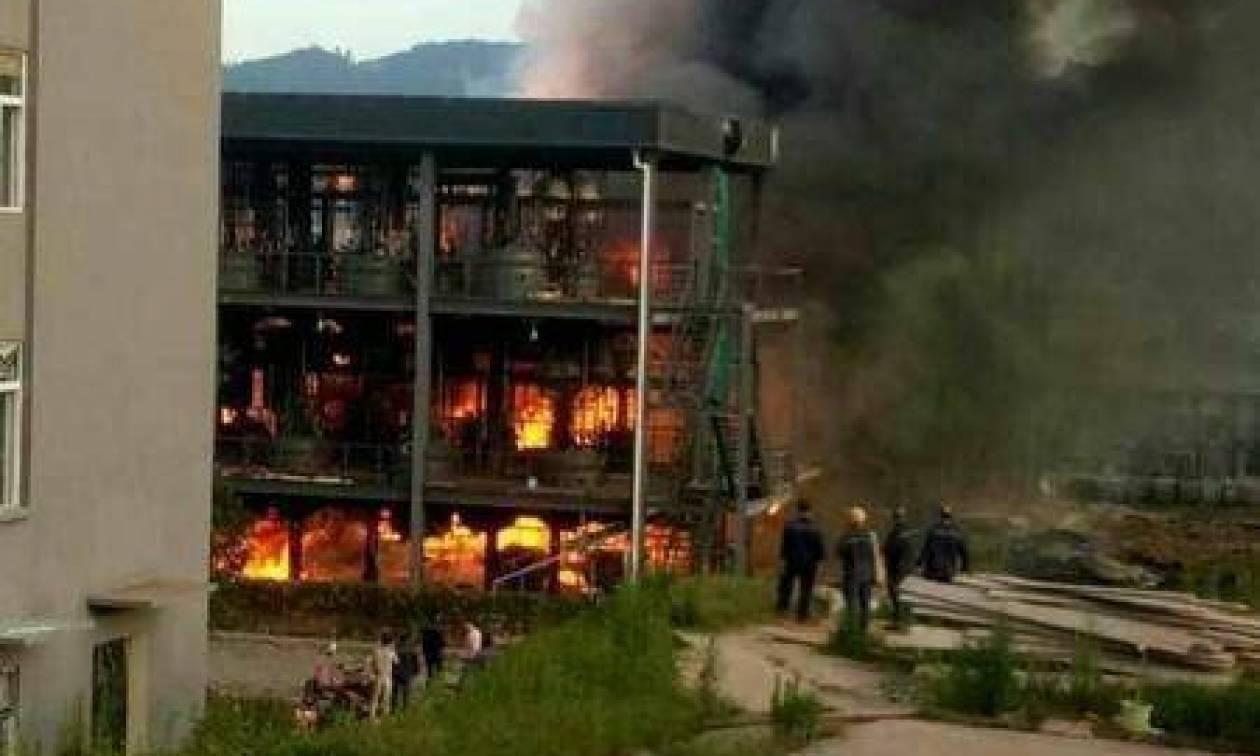 Τραγωδία στην Κίνα: Τουλάχιστον 19 νεκροί από έκρηξη και πυρκαγιά σε εργοστάσιο χημικών (Pics)