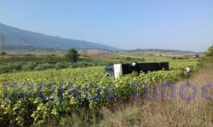Θρίλερ στη Δράμα: Ανετράπη λεωφορείο του ΚΤΕΛ (vid)