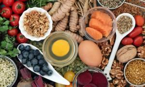 Άνοια: Τι να τρώτε και σε ποια ποσότητα για να την προλάβετε (εικόνες)