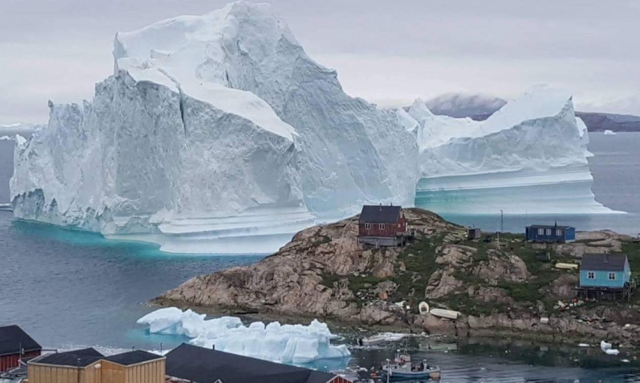 Γροιλανδία: Παγόβουνο στο μέγεθος λόφου απειλεί χωριό (pics&vids)