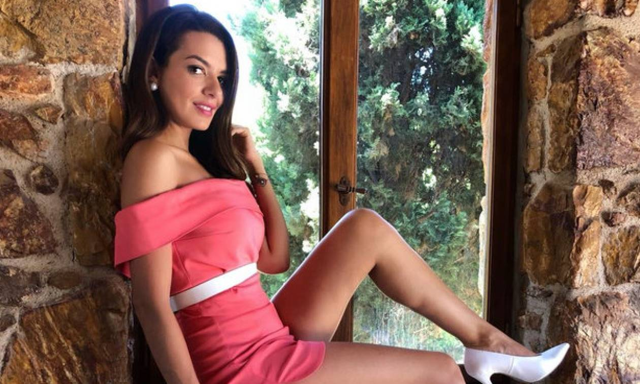 #ootd: H Nικολέττα Ράλλη φοράει το matching set που όλες θέλουμε
