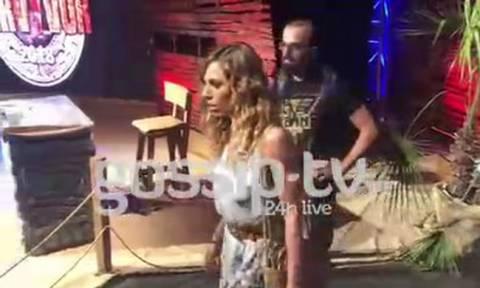 Survivor 2 Τελικός: Σοκαρισμένη η Ντορέττα μετά την επίθεση. Τι είπε ο Σάκης στο κοινό