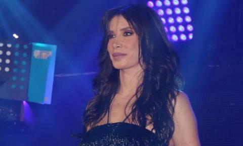 H Πάολα τραγουδά το «Μακεδονία Ξακουστή» και επικρατεί πανικός (video)