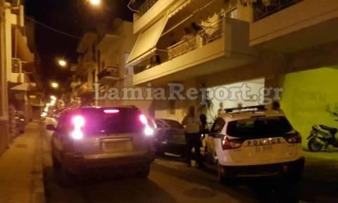 Σοκ στη Λαμία: 33χρονη μητέρα έπεσε από τρίτο όροφο πολυκατοικίας