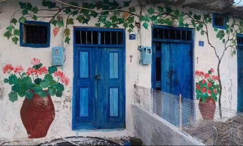 Ηράκλειο: Ερειπωμένα κτήρια «ξαναζωντανεύουν» χάρη σε μια ζωγράφο