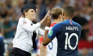 Παγκόσμιο Κύπελλο Ποδοσφαίρου 2018: Οι Pussy Riot πίσω από την εισβολή στον τελικό