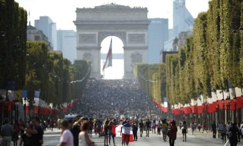 Μουντιάλ 2018: LIVE Ξέφρενοι πανηγυρισμοί στη Γαλλία για την κατάκτηση του τροπαίου (pics+vid)