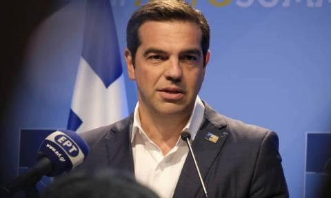 Ципрас поздравил Макрона с победой сборной Франции