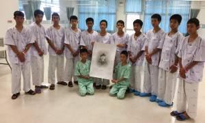 Ταϊλάνδη σπήλαιο: «Πόλεμος» ύβρεων και απειλές μηνύσεων για  τη διάσωση των 12 παιδιών