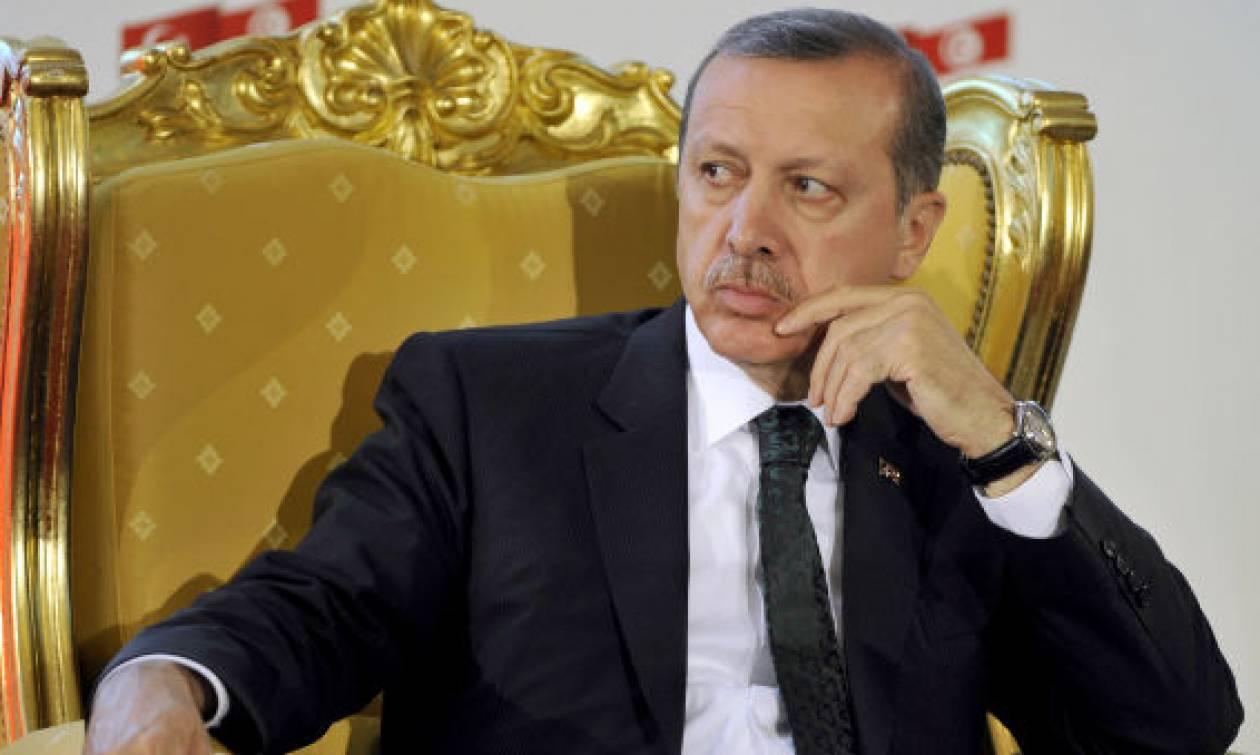 Καθεστώς «χούντας» με… νόμο εγκαθιδρύει στην Τουρκία ο Ερντογάν