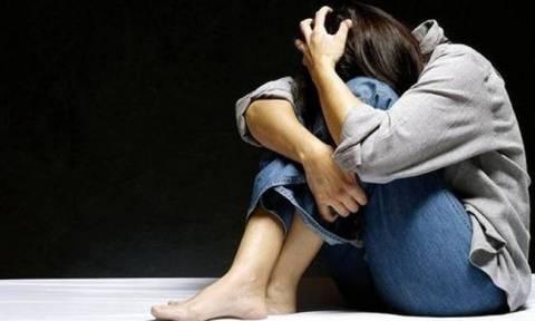 Εφιάλτης δίχως τέλος για 12χρονη: 18 άνδρες την βίαζαν κατ' εξακολούθηση δίπλα από το σπίτι της